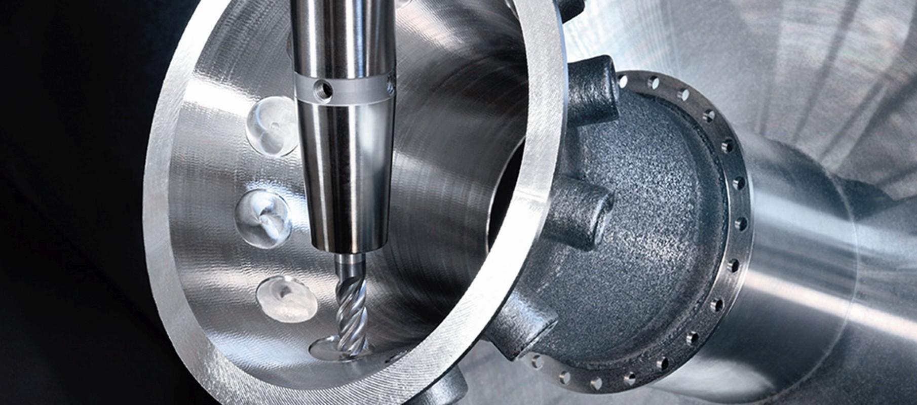 Navařené prvky jsou ve stroji doobrobeny do potřebných tolerancí.